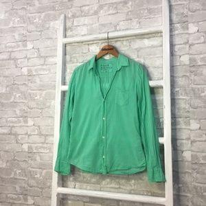 Frank & Eileen Barry Button Down Shirt Size Medium